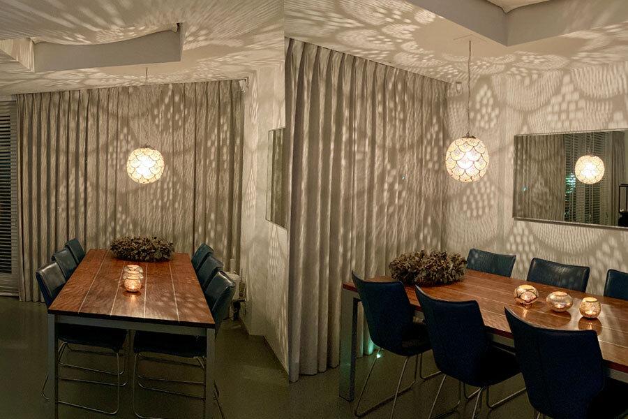 Oosterse hanglamp Dahab boven de eettafel