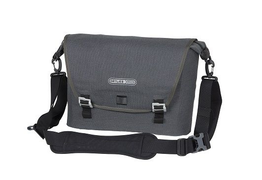 http://plugin.myshop.com/images/shop1508200.pictures.ORTLIEB-REPORTERBAG-URBAN-K7901-FRONT.JPG