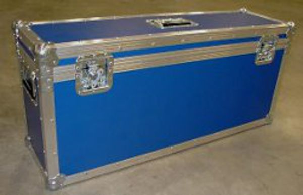 http://plugin.myshop.com/images/shop3246400.pictures.myshop-medium-flightcase.jpg