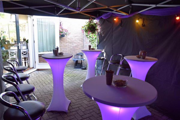 http://plugin.myshop.com/images/shop4238500.pictures.easyuptenthurenverhuurstatafelpartytent.medium.jpg