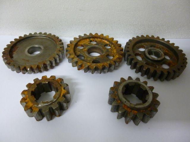 gearbox sprockets - versnellingsbak tandwielen