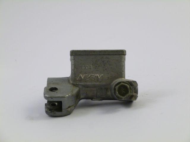 master cilinder front brake - rem cilinder voorrem