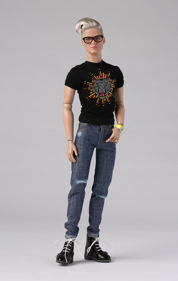 Hot to the Touch Bellamy Blue™ Fashion Figure