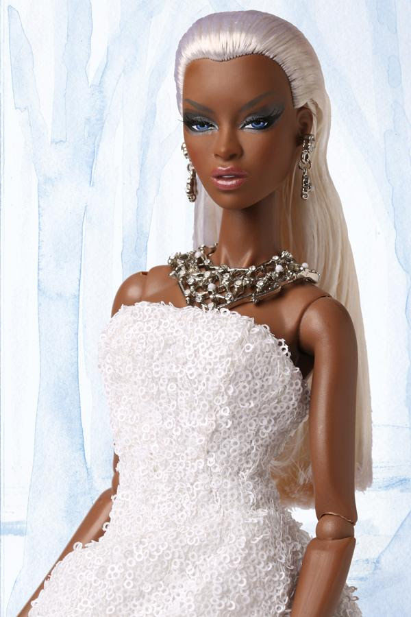 Frosted Glamour Adele Makeda