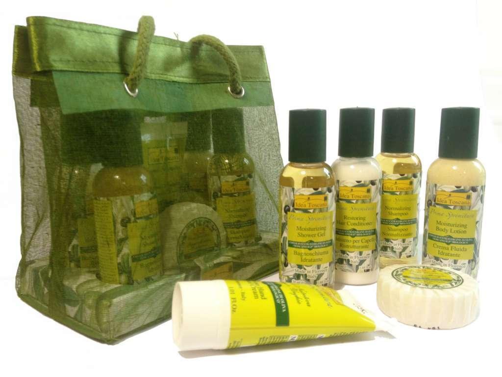 Organza bag met 50ml flesjes, handcrème en zeep