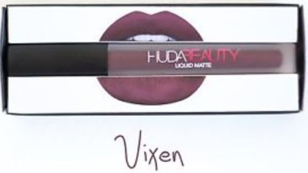 http://plugin.myshop.com/images/shop5876700.pictures.Huda-lipstick-matte-donkerpaars-vixen.medium.jpg
